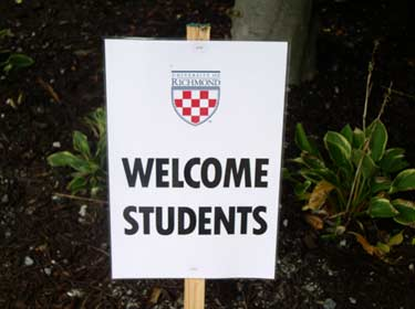 welcome-students1.jpg